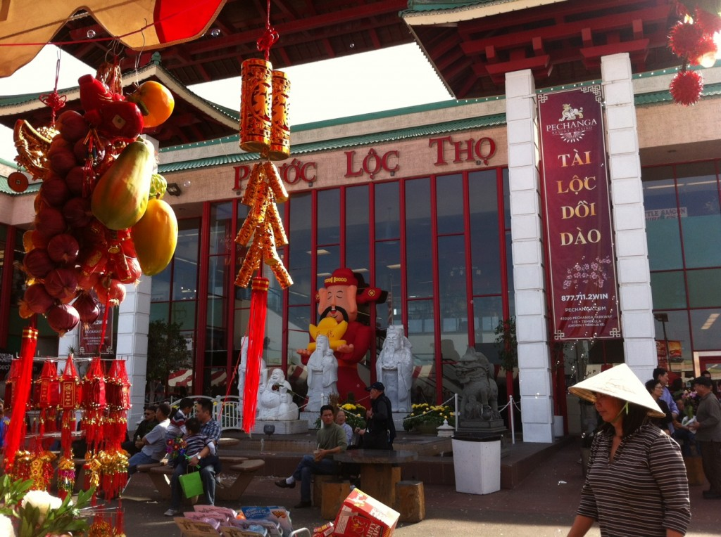 Tet Lunar New Year market
