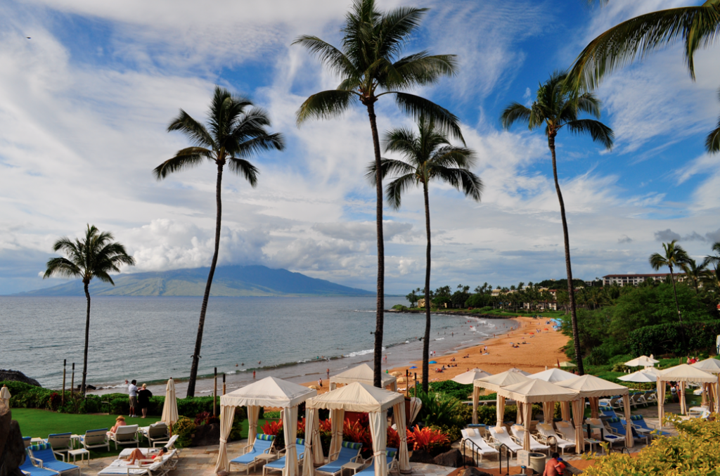 Perhaps one of the toughest decisions at the Four Seasons Maui is which cabana to use to relax and enjoy the sweeping vistas. - See more at: http://www.tednguyenusa.com/the-magic-of-maui-four-seasons-resort-maui-at-wailea/#sthash.tBvgUCuh.dpuf